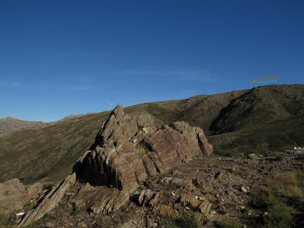 Entre Xistos e Granitos na Serra do Caramulo