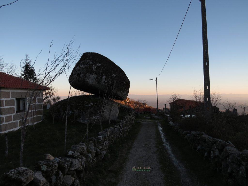 Rochas em equilíbrio na Serra do Caramulo